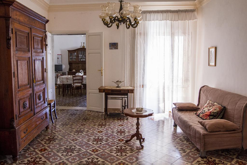 Soggiorno-Antica-Sicilia_angolo-4